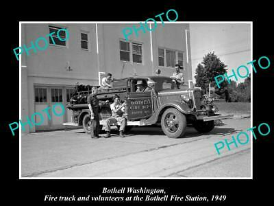 OLD LARGE HISTORIC PHOTO OF BOTHELL WASHINGTON, THE FIRE STATION TRUCK c1949