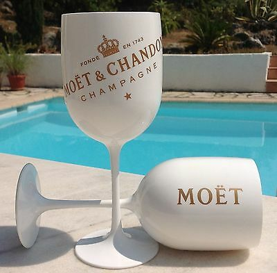 "N° 144 - 6  Grands Verres Moet & Chandon ""ice Imperial""."