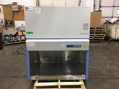 Thermo 1300 Series Type A2 Biological Safety Cabinet Fume Hood Lab Model 1345