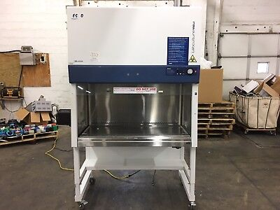 Esco Labculture Class II A2 Biological Safety Cabinet Fume Hood Isocide