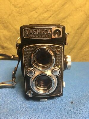 Yashica MAT-124 MAT 124 Twin Lens Medium Format Camera. Tested. Great Shape.