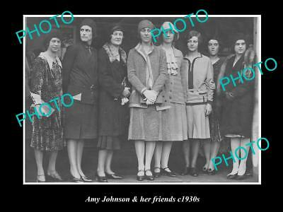 OLD LARGE HISTORICAL PHOTO OF AVIATION PIONEER AMY JOHNSON & HER FRIENDS c1930s