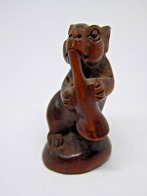 Very Nice Vintage Carved Treen Mouse Carving - Signed to Base