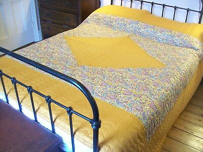 "Lovely Antique Reversible Durham Quilt,92"" x 80"" Double / King,Vintage Bedspread"