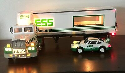 New Collectible Hess 1992 18 Wheeler and Racer with working Lights