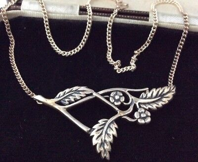 Vintage Jewellery Lovely Sterling Silver Flower Panel Necklace