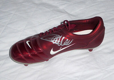 Thierry Henry, Arsenal & France legend, Barcelona, signed Nike football boot.
