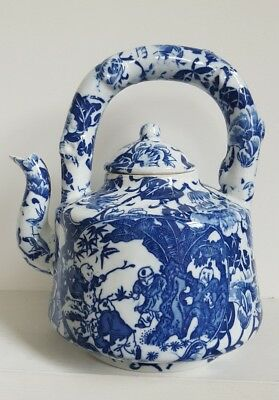 Extraordinary vintage Jingdezheng Chinese blue & white Tea pot