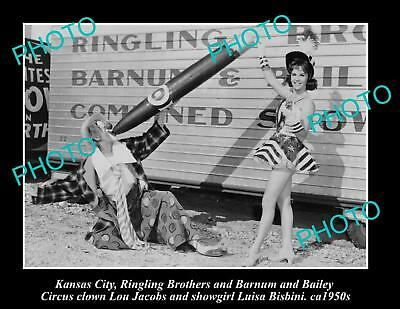 OLD LARGE PHOTO OF KANSAS, RINGLING BROS BARNUM & BAILEY CIRCUS CLOWN c1950s