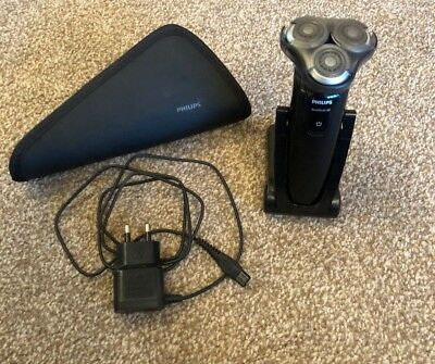 Philips RQ1250 SensoTouch 3D GyroFlex Wet & Dry Shaver, Travel Pouch & Charger