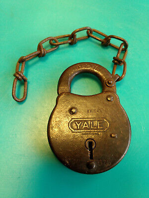 Old Vtg Steel The Yale & Towne Mfg Co N & W Padlock Lock With Chain