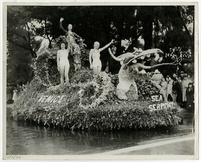 New Year's Day Parade Float 1934 Vint. Venice Beach Bathing Beauties Photograph