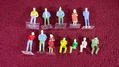 #4 O Scale Lot Of 12 Painted People Figures - Male - Female - Standing - Sitting