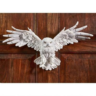 White Snow Owl Nocturnal Bird of Prey Wall Hanging Statue Art Entryway Decor