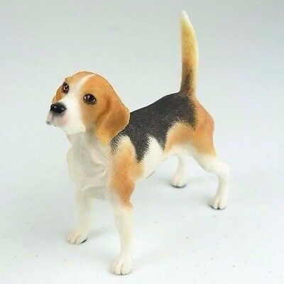 """Beagle Dog in White & Red - Collectible Figurine Miniature 4""""L New"""
