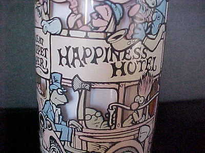 Vintage *happiness Hotel* Mcdonald's Great Muppet Caper Collector Glass 1981