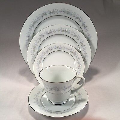 Noritake MARYWOOD (#2181) Contemporary Fine China 5-Piece Place Setting