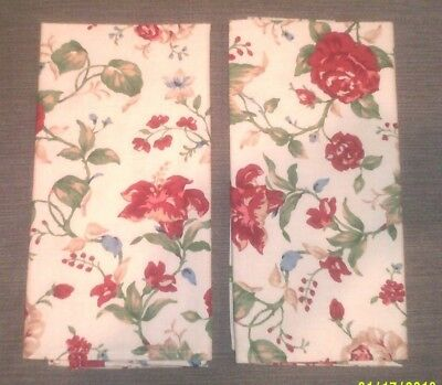 Longaberger Set of 2 Fabric Napkins in the Heirloom Floral Pattern
