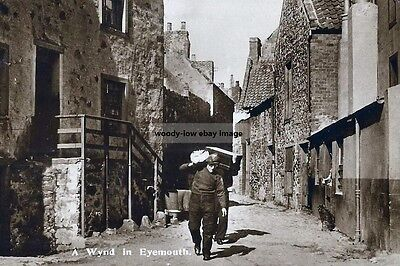rp14122 - A Wynd in Eyemouth , Berwickshire , Scotland - photo 6x4
