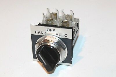 GE GENERAL Electric 3 Position Selector Switch CR104 B2515 - $29.99 on