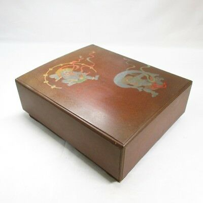 G831: Japanese old lacquer ware hand box w/MAKIE of popular FUJIN-RAIJIN design