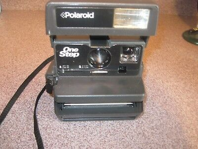 Polaroid One Step Close Up Instant Camera uses 600 Film *Tested