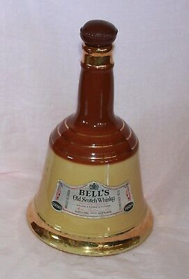 WADE pottery Perth Scot BELLS OLD SCOTCH WHISKY WHISKEY Jug bottle with cork