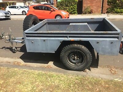 Box Trailer 6.5x5 with brakes