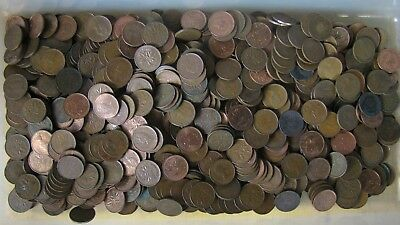 4 Pounds Canadian Cent/Penny Coin Collection - 600+ cents - No Reserve