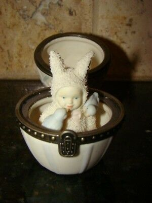 Dept 56 Hinged Snowbunnies Hinged Trinket Box Easter Egg with Bunny & Bluebirds