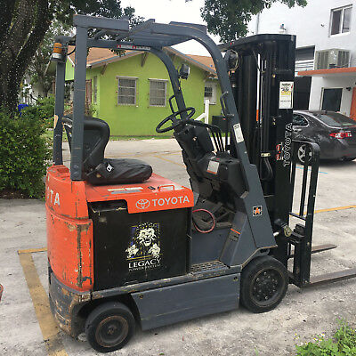 Electric Toyota Forklift 3000LB 7FBCU15 With Charger