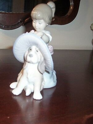 "Llardo 6862 ""an Elegant Touch"" Girl & Dog With Hat Figurine Spain"