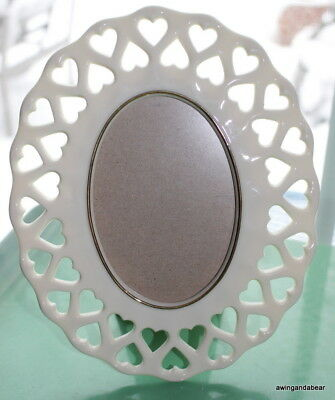 Ivory Lenox Open Heart Oval Frame with Gold Trim