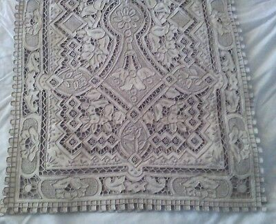 Vtg Chinese Chee Foo  Embroidery & Cutwork Runner - The Great Wall