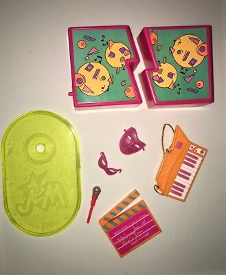 JEM AND THE HOLOGRAMS ACCESSORIES LOT HASBRO VINTAGE DOLL FIGURE toy