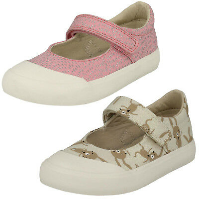 Girls Clarks Comic Buzz Baby Pink Or Cotton Combi Canvas Pumps