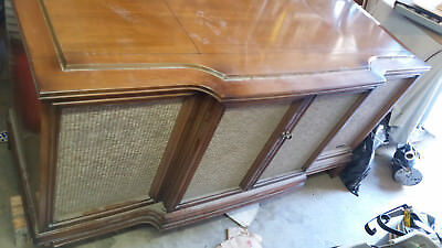 RCA Victor TV/Stereo and Turntable Console 1950's