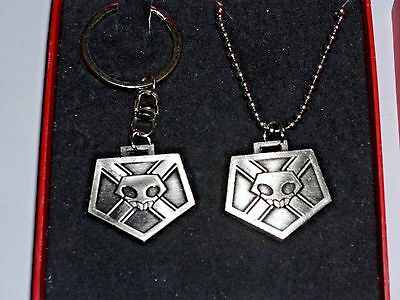 Bleach Anime Skull Seal metal Keychain and Necklace Set