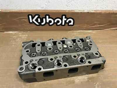 * / * Head Cylinder Engine D722 Original Kubota * / *
