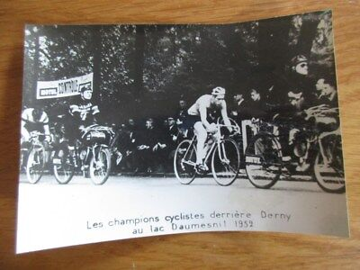 Archives Motul Photo Champion Cycliste Derriere Derny Lac Daumesnil 1952