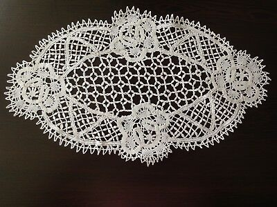 Beautiful Vintage Handmade Oval White Brussels Lace Cotton Tablecloth