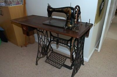 Singer Treadle sewing machine antique Model 16-35, L series, Made in USA 1901.