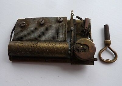 ANTIQUE VINTAGE SMALL CYLINDER MUSIC BOX MOVEMENT + KEY Brass, French, No Case