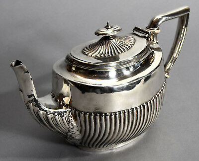 Elegant Old Silver Plated Georgian Hepplewhite Style Teapot w/ Fluted Decoration