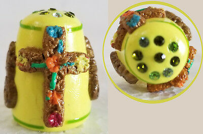 Boulder Bay Thimble - FLORAL CROSS on YELLOW w/ SWAROVSIK CRYSTALS S20