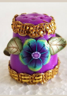 Boulder Bay Thimble - FANCY MAGENTA with COLORFUL FLOWER and GOLD TRIM S32