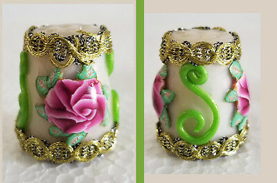 Boulder Bay Thimble - FANCY WHITE with MAGENTA ROSE and GOLD TRIM S33