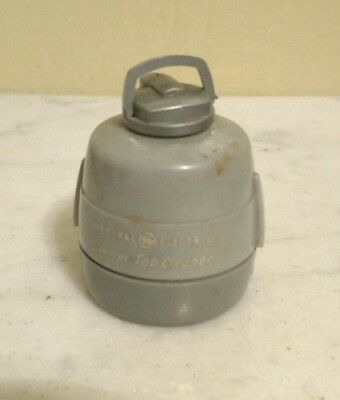 Vintage General Electric GE Swivel-Top Cleaner Vacuum Advertising