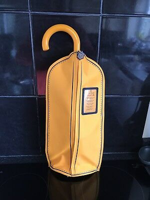 Veuve Cliquot Suits Me  Bottle Stopper And Cooling Bag