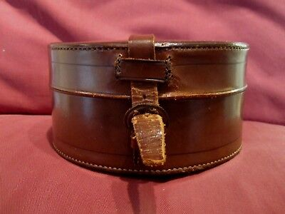 Highly Collectable Vintage Accessories Gentleman's Leather Collar Box